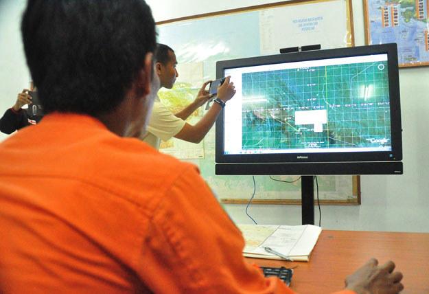 Ekipy poszukiwawcze zlokalizowały wrak w prowincji Papua na zachodzie wyspy Nowa Gwinea fot. Indrayadi /AFP