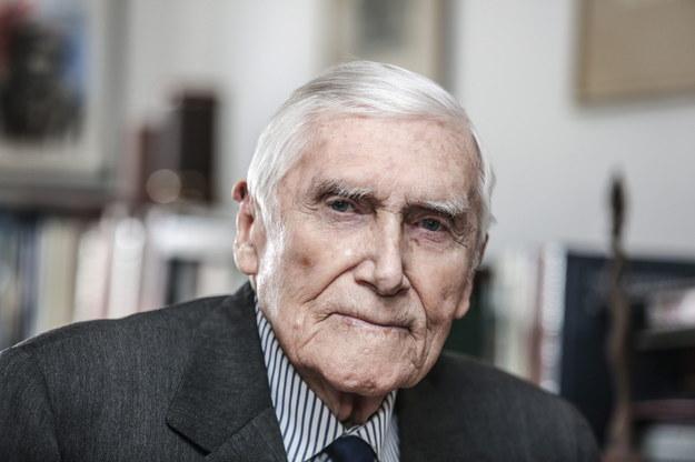 Ekonomista, żołnierz Armii Krajowej, powstaniec warszawski zmarł w wieku 99 lat / Leszek Szymański    /PAP