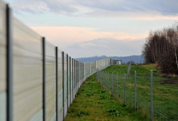 Ekrany na autostradzie A4. Z drugiej strony las... / Fot: M. Lasyk /Reporter