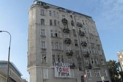 Eksmisja inwalidki z kamienicy przy Hożej w Warszawie