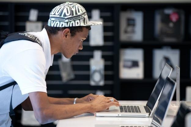Eksperci Kaspersky Lab radzą jak bezpiecznie korzystać z Mac OS X /AFP