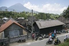 """Eksperci ostrzegają przed """"nieuchronną"""" erupcją wulkanu Agung"""