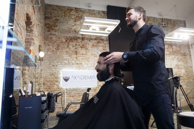 Eksperci podpowiedzą nie tylko jaki rodzaj zarostu jest najlepszy. Pomogą również w doborze fryzury oraz odpowiedniej stylizacji /materiały prasowe