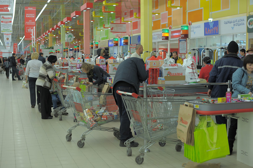 Eksperci są zgodni, że spontaniczność w czasie zakupów nie popłaca /123RF/PICSEL