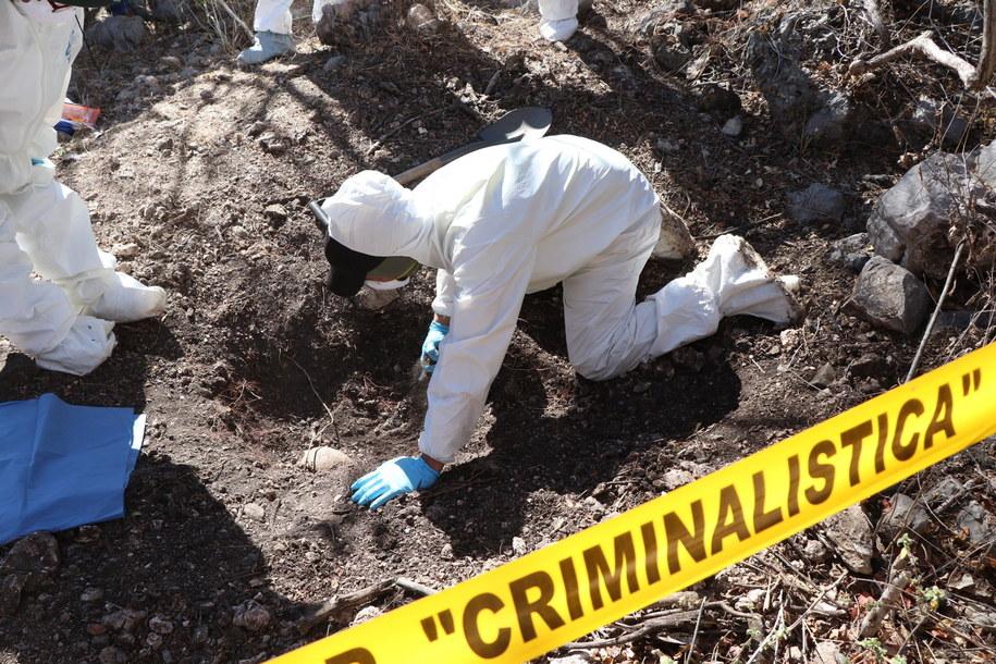 Eksperci wciąż badają miejsce wybuchu /Francisca Meza    /PAP