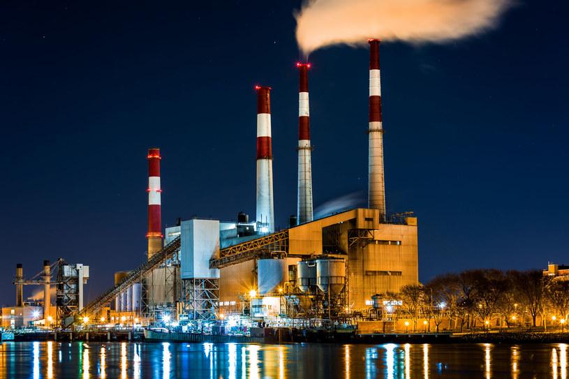 Eksperci zapowiadają możliwe problemy z dostawami energii /123RF/PICSEL