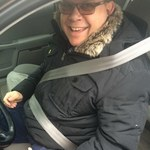Ekspert radzi: Nie zapinaj pasów bezpieczeństwa na kurtkę