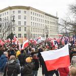 """Ekspert: """"Zmiana jakościowa"""" na sobotnich demonstracjach KOD"""