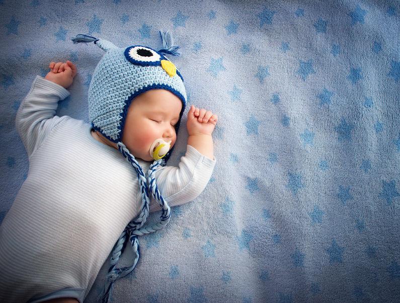 Ekspert znalazł braki w zabezpieczeniach urządzenia Owlet, przeznaczonego do monitorowania funkcji życiowych niemowlęcia /123RF/PICSEL