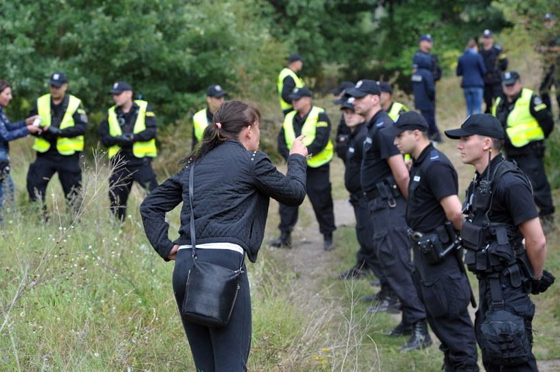 Eksperyment procesowy w sprawie postrzelenia przez policjanta uciekającego młodego mężczyzny /Marcin Bielecki /PAP