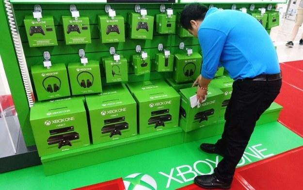 Ekspozycja sprzętu marki Xbox w jednym z chińskich marketów /AFP