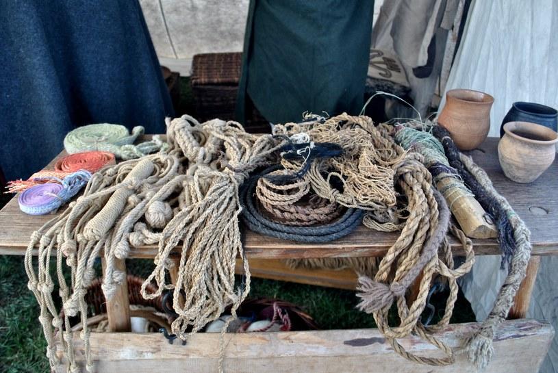 Ekspozycja w warsztacie powroźnika - rzemieślnika, który zajmował się sporządzaniem lin i sznurów /Justyna Tomaszewska /INTERIA.PL