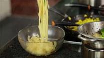 Ekspresowy przepis na obiad. Tagliatelle z brokułem i domowym pesto