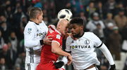 Ekstraklasa piłkarska: Legia goni lidera