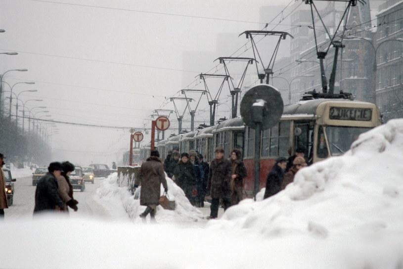 Ekstremalna polska zima w 1979 r. Zdjęcie wykonano w Warszawie /Andrzej Wiernicki / Forum /Agencja FORUM