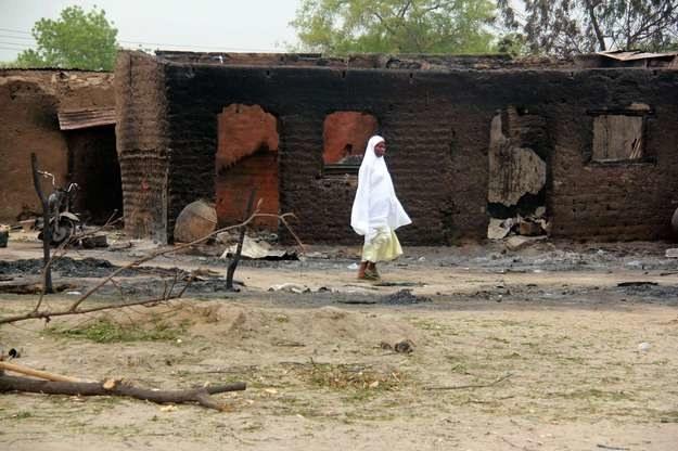 Ekstremiści wykorzystują kobiety do noszenia bagaży czy gotowania. Wiele staje się niewolnicami seksualnymi. /AFP