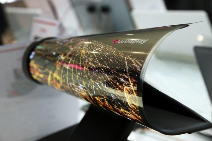 Elastyczny ekran OLED powstanie przy współpracy z konkurencyjnymi firmami? /materiały prasowe