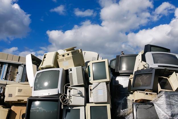 Elektrośmieci stają się coraz większym problemem /©123RF/PICSEL