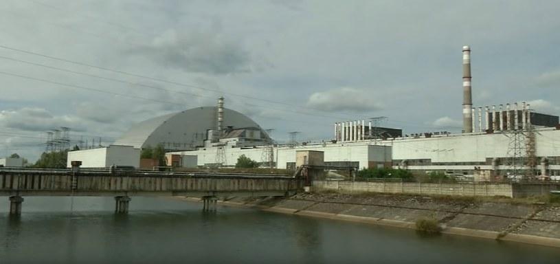 Elektrownia jest zlokalizowana 100 metrów od reaktora jądrowego, który eksplodował w 1986 roku /YouTube