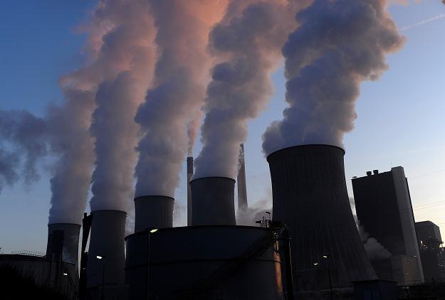 Elektrownie opalane węglem kamiennym czy brunatnym produkują ogromne ilości CO2 /AFP