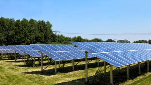 Elektrownie słoneczne wpadły w sieć negatywnych decyzji
