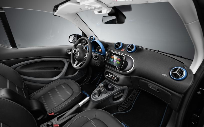 Elektryczne nowości Mercedesa /materiały prasowe