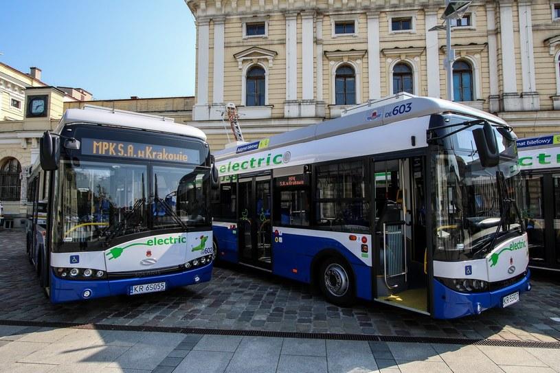 Elektryczne Solarisy (wcześniejsze modele) można zobaczyć na przykład na ulicach Krakowa /Jan Graczyński /East News