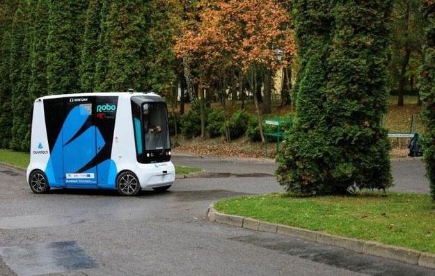 Elektryczny bus, który raz na dobę musi być ładowany, jeździ codziennie przez 5 godzin (fot. Dominik Paszliński/gdansk.pl) /Materiały prasowe
