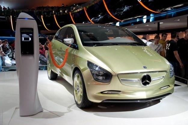 Elektryczny Mercedes zadebiutuje na Paris Motor Show /123RF/PICSEL