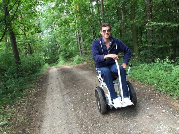 Elektryczny wózek inwalidzki Blumil skonstruowany przez Miłosza Krawczyka/ inf. prasowa /&nbsp