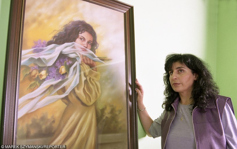 Eleni przy portrecie swojej córki Afrodyty /fot. Marek Szymański /Reporter