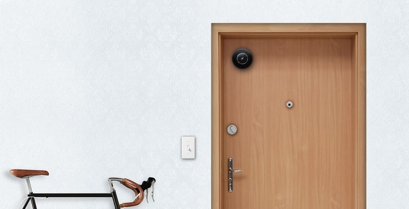 Elephant Door zamontowany na drzwiach /materiały prasowe