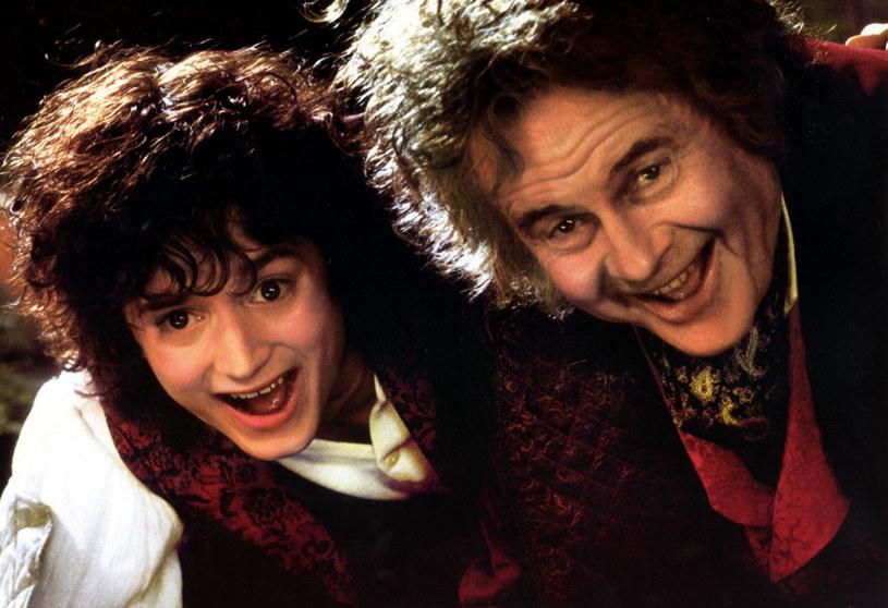 Elijah Wood jako Frodo, Ian Holm jako Bilbo Baggins / fot. NEW LINE CINEMA 2001 /East News
