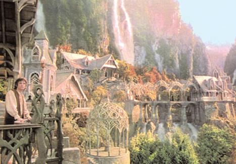Elijah Wood w filmie Władca Pierścieni: Drużyna Pierścienia, reż. Peter Jackson na podstawie: powieści J.R.R. Tolkiena, 2001 r. /Encyklopedia Internautica
