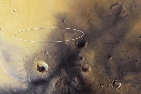 Elipsa lądowania sondy Schiaparelli naniesiona na zdjecie z sondy Mars Express /materiały prasowe
