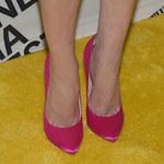 Elisabeth Moss w za dużych butach na gali!