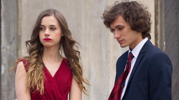 Eliza i Jarek zaczęli się kłócić tuż przed ślubem przyjaciół /x-news/Radek Orzeł /TVN