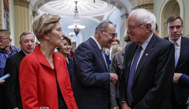 Elizabeth Warren i Bernie Sanders /SHAWN THEW    /PAP/EPA
