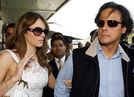 Elizabeth z mężem /AFP