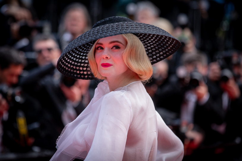 Elle Fanning na festiwalu w Cannes /Marc Piasecki /Getty Images