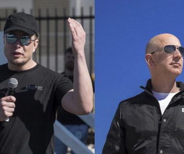 Elon Musk nabija się z Jeffa Bezosa - o co poszło?