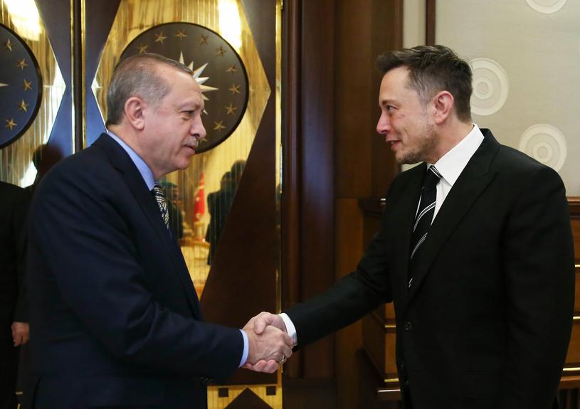 Elon Musk z prezydentem Turcji Recepem Erdoganem /AFP