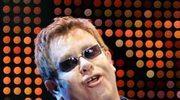 Elton John akceptuje 100 tysięcy