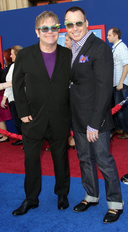 Elton John i David Furnish /FREDERIC J. BROWN /Getty Images
