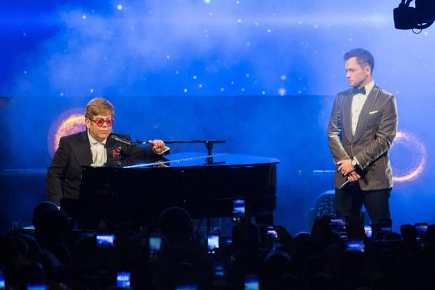 """Elton John i Taron Egerton, który zagrał go w filmie """"Rocketman"""" /Berzane Nasser/ABACA /PAP/Abaca"""