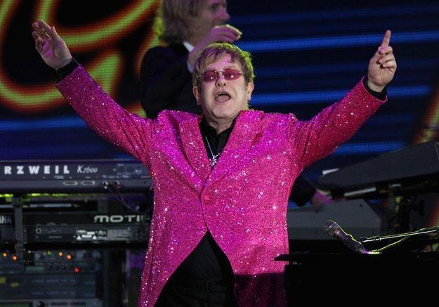 Elton John otrzyma medal z rąk Lecha Wałęsy fot. Dan Kitwood /Getty Images/Flash Press Media