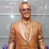 Elton John z czekolady /AFP