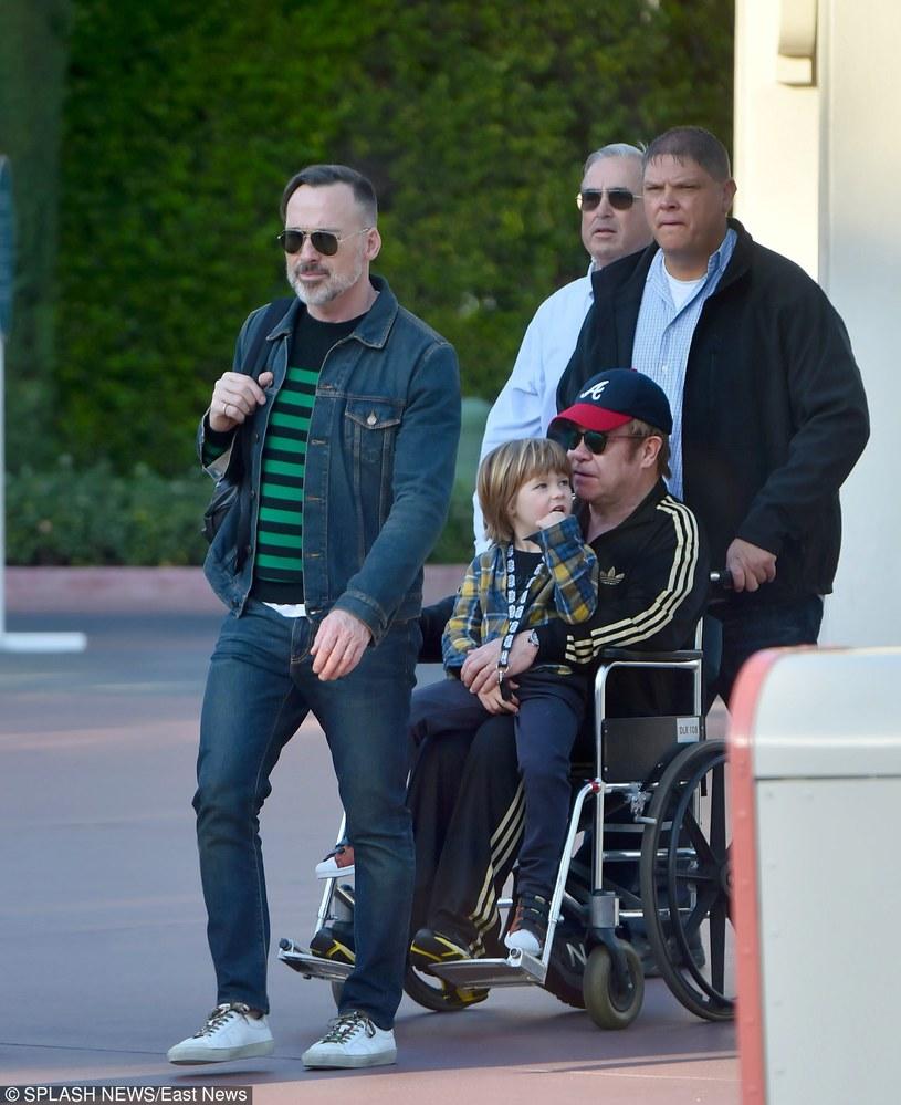 Elton John z mężem i synem /East News