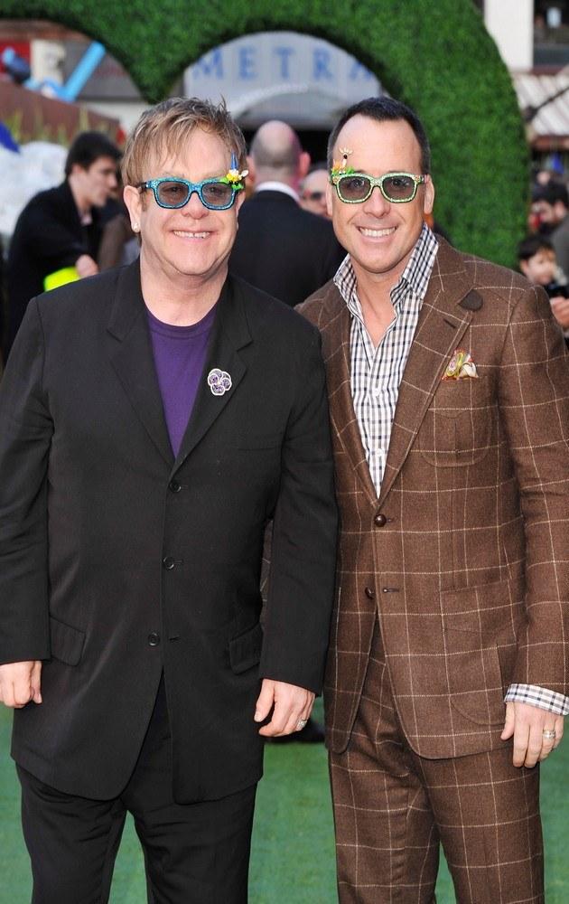 Elton John z mężem /Jason Merritt /MWMedia