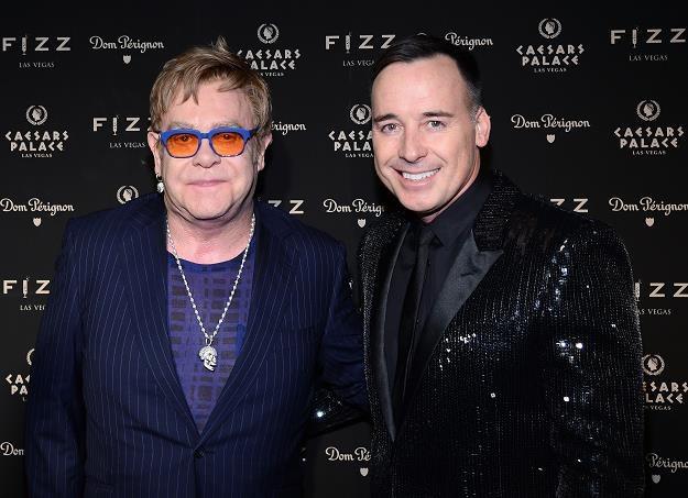Elton John z partnerem Davidem Furnishem fot. Ethan Miller /Getty Images